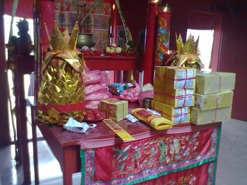 altar sembahyang by erit07.jpg