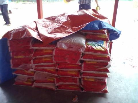 beras yang akan di bagikan by erit07.jpg